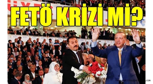 AKP'de kongreler ertelendi