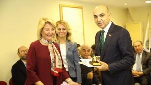 BAŞKAN DR.KERİMOĞLU'NA ,STK'LARDAN BİR ÖDÜL DAHA GELDİ