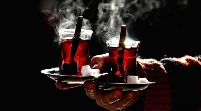Tiryakilere kötü haber... Sıcak çay kanser yapıyor
