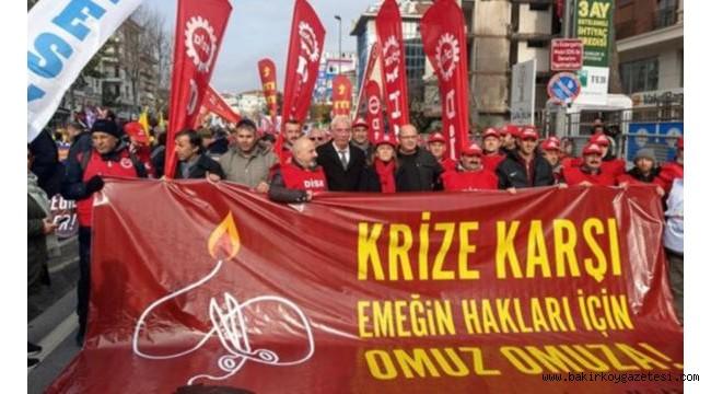 Bakırköy'de , İstanbul'da krize karşı mitingi
