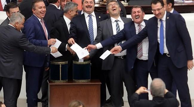 Emeklilikte yine AKP'ye takıldılar!