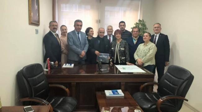 Hikmet Çetin ,Ülke Politikaları Vakfı 'ÜPV ziyaret etti