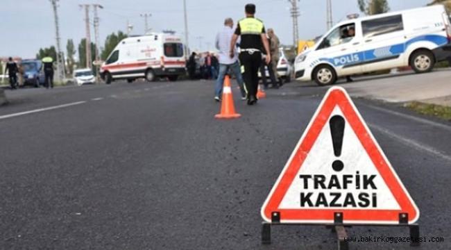 Bakırköy'de Korkunç Kaza! Kadın Müşteri Otomobilden Fırladı