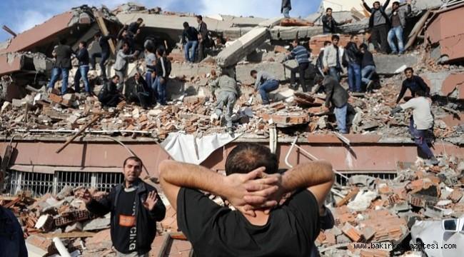Bilim insanlarından İstanbul'da deprem uyarısı: Bir hafta binalardan uzak durun!
