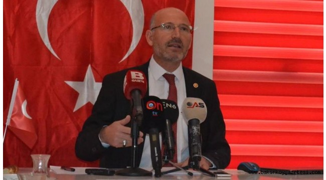 AKP'de bir Davutoğlu istifası daha, Zehir zemberek sözler !