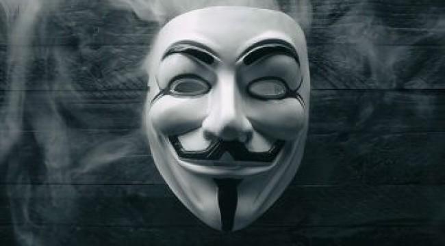 Anonymous, Trump'ın çocuk istismarından yargılandığı resmi evrakları sızdırdı