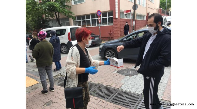 BAKIRKÖY CHP  İLÇESİ BEDAVA MASKE DAĞITTI!