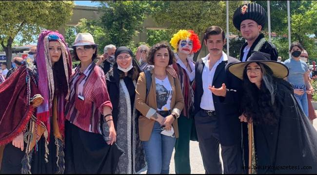 Bakırköy Meydanı'nda sanatçılardan eylem